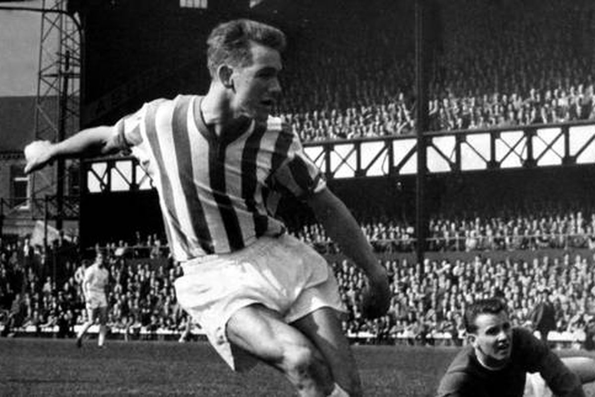 https://rokerreport.sbnation.com/2017/12/29/16819628/the-story-of-brian-clough-of-sunderland-nottingham-forest-a-legend-in-red-white