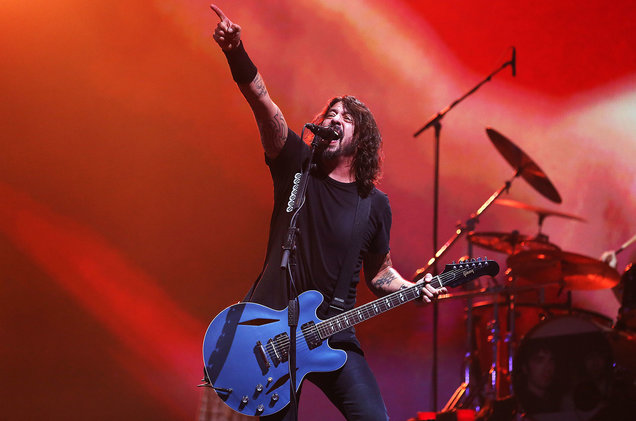 https://www.billboard.com/articles/columns/rock/8528314/foo-fighters-rickroll-reading-festival-jam-with-dave-grohls-daughter-leeds