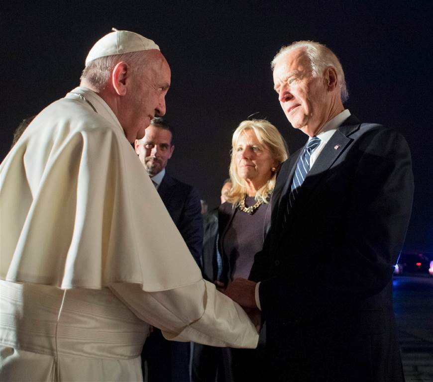 https://www.nbcnews.com/politics/2016-election/biden-trump-v-pope-not-hard-call-n521201