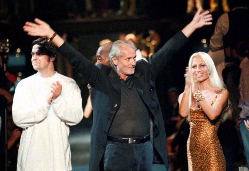 https://www.discoverwalks.com/blog/all-about-gianni-versace/
