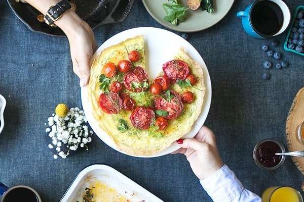 Φτιάξτε πανεύκολα πίτσα ομελέτα