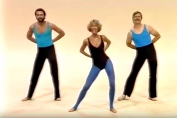 Δε γίνεται να μη γελάσετε με αυτήν την θεότρελη γυμνάστρια των 80s