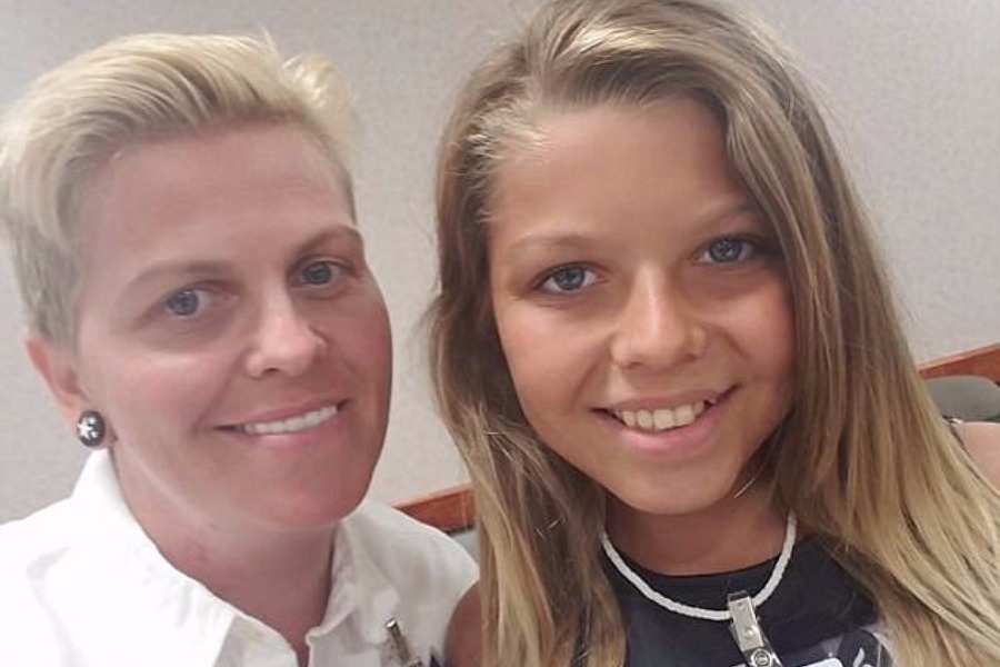 Ο γιος της έκανε αλλαγή φύλου και της έδωσε κουράγιο να κάνει το ίδιο