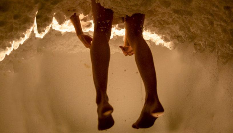 «Τρύπωσα / Carve a Niche» από την θεατρική ομάδα ομάδα La Coja Dansa