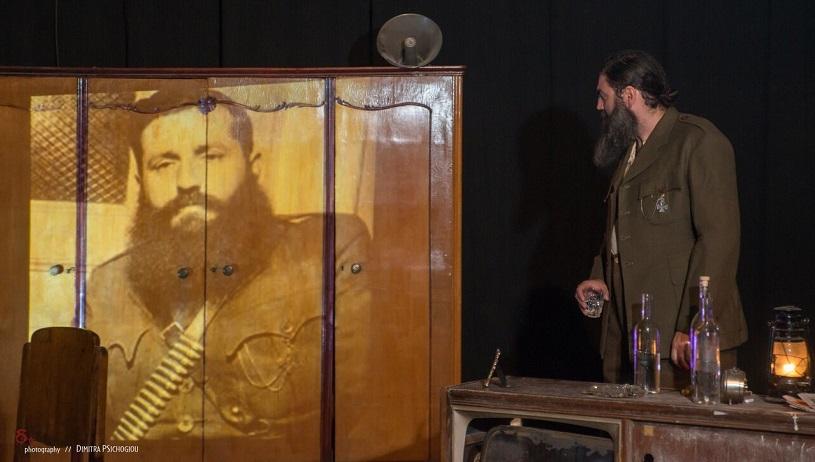«Αρης»: Η παράσταση για τον Αρη Βελουχιώτη που έσπασε ταμεία