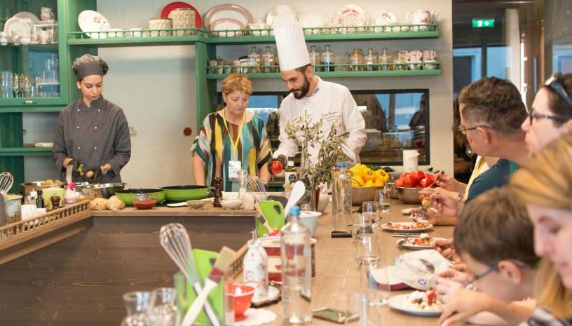 Cooking Class & Dinner στο εστιατόριο «Topos» στο ισόγειο της Yoleni`s