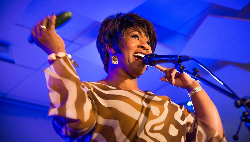 Denise Jannah Quartet: Η κορυφαία τζαζ φωνή ζωντανεύει τον θρύλο της Ella Fitzgerald