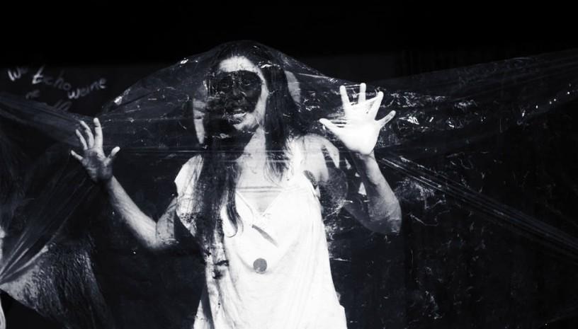 Η παράσταση «Franz Kafka» σε σκηνοθετική επιμέλεια της βραβευμένης Σοφίας Καζαντζιάν