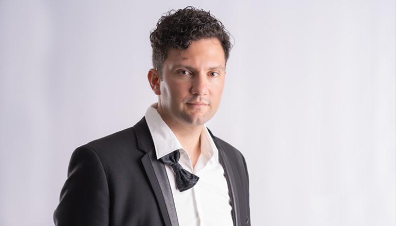 Ο Σταύρος Σαλαμπασόπουλος για ένα μουσικό ταξίδι στο Halfnote Jazz Club